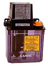 AMZ-III型(CE対応型) | 軽量な電動間欠吐出型ギアーポンプ | リューベ