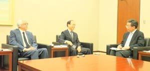 左から木村氏,瀧本氏,杉村氏
