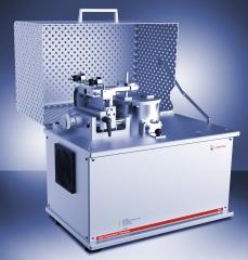 回転モードのアントンパール社製トライボメーター希望の測定条件に合わせて直線往復モードに簡単に変更できる
